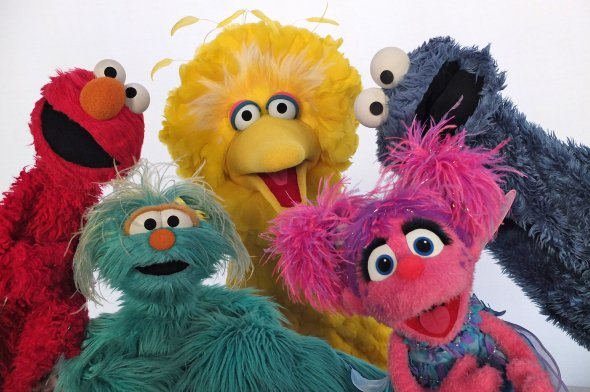 218fc261429a9497_Sesame_Street_Muppets_sing_What_We_Are._Termine..xxxlarge_2x