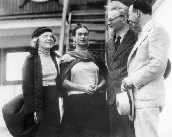 MEXICO - JANUARY 13:  From left to right : Natalia TROTSKY, TROTSKY's wife; the Mexican artist Frida KAHLO, Diego RIVERA's wife; the Russian revolutionary Leon TROTSKY; and Max SCHACHTMAN, head of the American Communist Commitee. They all came to welcome the couple disembarking from the Norwegian oil tanker RUTH.  (Photo by Keystone-France/Gamma-Keystone via Getty Images)