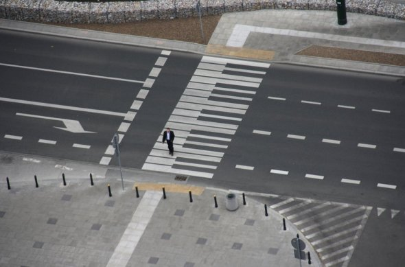 piano-crossing-1396457273-view-1